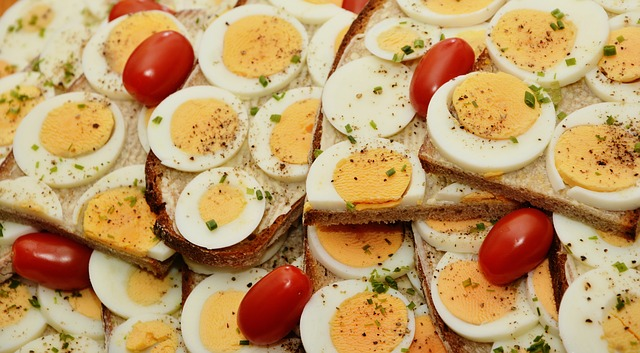 Egg whites home remindes for acne