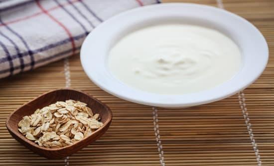 Oatmeal and Yogurt Mask